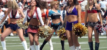 cheerleaders-560455_1280