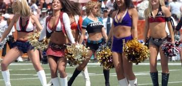 cheerleaders-560455_1280